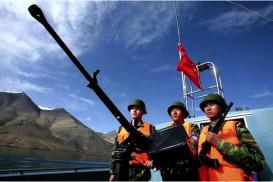 নিয়ন্ত্রণ রেখায় যুদ্ধকালীন প্রস্তুতি ভারত-চীন বাহিনীর