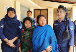 বান্দরবানে ইয়াবাসহ দুই নারী আটক