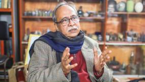 রাতভর 'মৃত্যুর গুজব': সুস্থ হয়ে উঠছেন মুনতাসীর মামুন