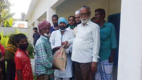 নাগরপুরের ১৩০টি পরিবারকে ঈদ উপহার দিলেন যুবদলের নেতা