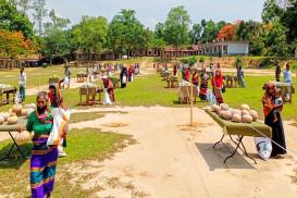 সেনাবাহিনীর উদ্যোগে 'এক মিনিটের বাজার'