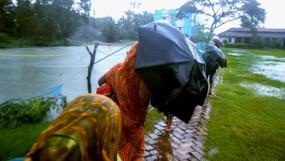 আম্পান আতঙ্ক, রাতভর মোংলা আশ্রয়কেন্দ্রে উঠেছেন ৭৫০০ মানুষ
