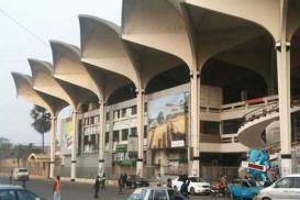 মেট্রোরেল নির্মাণে ভাঙা পড়ছে কমলাপুর রেলস্টেশন