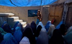 জীবন গেলেও নারী শিক্ষার জন্য কাজ করব: আফগান শিক্ষক