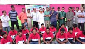 নাগরপুরে বঙ্গবন্ধু গোল্ডকাপ ফুটবলে চ্যাম্পিয়ন দলকে জাতীয় দলের সাবেক অধিনায়কের সংবর্ধনা