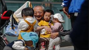 জন্মহার কমে যাওয়ায় চীনে 'তিন সন্তান নীতি' চালু