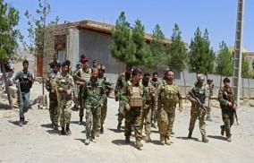পলাতক আফগান সেনাদের যেভাবে কাছে টানছে তালেবান