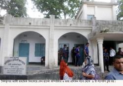 শৈলকুপার ভাটই স্কুল থেকে ৬ ল্যাপটপ চুরি, নৈশ প্রহরী আটক