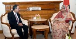 প্রধানমন্ত্রীর সঙ্গে সাক্ষাৎ করেছেন পাকিস্তানের বিদায়ী  হাইকমিশনার সুজা আলম