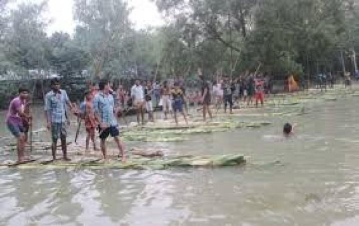 রাজবাড়ীতে ঐতিহ্যবাহী ভেলাবাইচ প্রতিযোগিতা অনুষ্ঠিত
