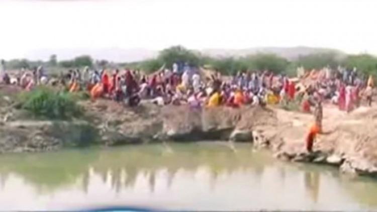 গ্রামে গুপ্তধন পাবার গুজব, হতাশ গ্রামবাসী
