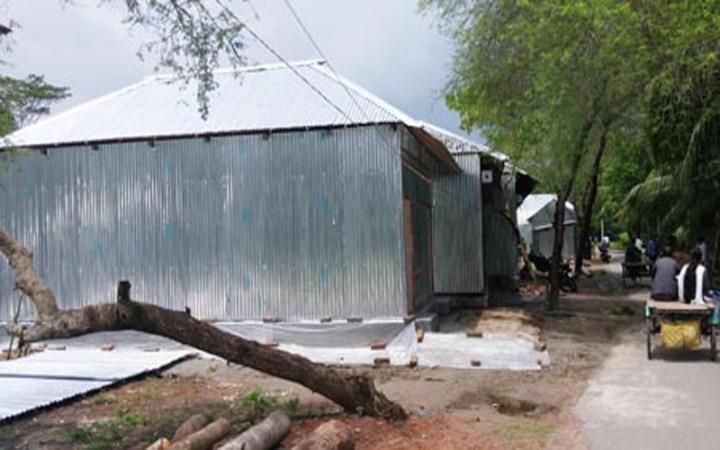 কোটালীপাড়ায় পানি উন্নয়ন বোর্ডের জায়গা দখল