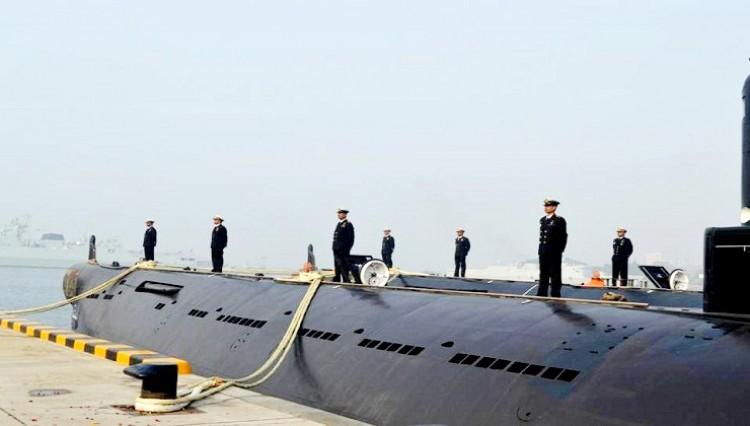 নৌবাহিনীর দুটি সাবমেরিন চীন থেকে চট্টগ্রামে পৌঁছেছে
