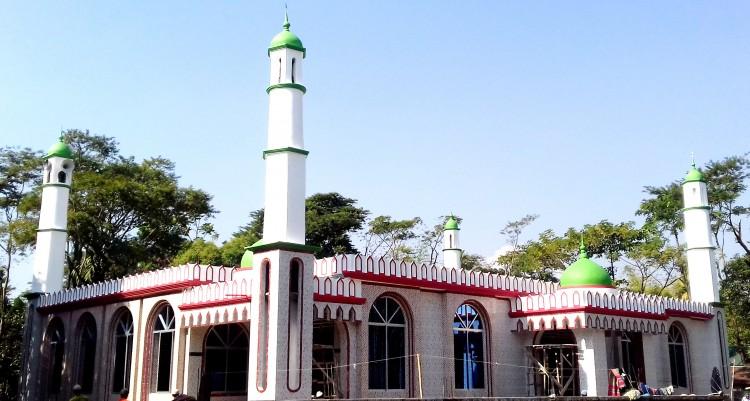 জাফলংয়ে গ্রামবাসীর উদ্যোগে উপজেলা পর্যায়ে সর্ববৃহৎ মসজিদ নির্মাণ
