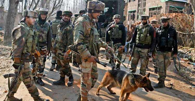 কাশ্মিরে গুলিতে দুই ভারতীয় সেনা নিহত