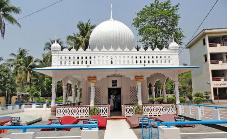 ঘুরে আসুন কুষ্টিয়া লালন সাইজি'র মাজারে