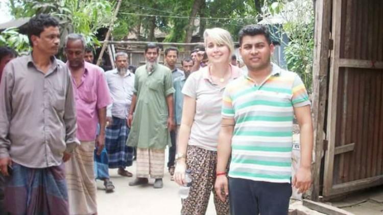 প্রেমের টানে ব্রাজিল থেকে তরুণী এলেন রাজবাড়ীতে
