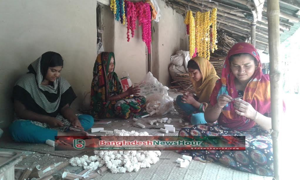 বাংলা নববর্ষ: সোলা পল্লীর কারিগরদের অবসর নেই