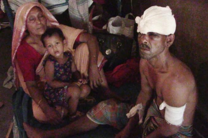 ঝিনাইদহে দু'দল গ্রামবাসীর সংঘর্ষে আহত-২৫