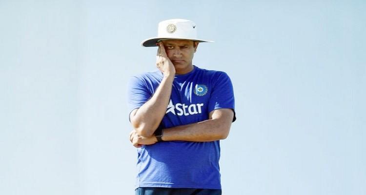 ভারতীয় ক্রিকেট দলের কোচ পদ থেকে সরে দাঁড়ালেন অনিল কুম্বলে