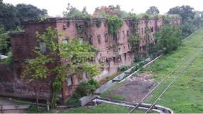 লালমনিরহাট রেল বিভাগের৭০০ কোয়ার্টার অবৈধ দখলে