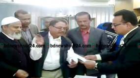 জেলা প্রশাসককে স্মারকলিপি দিয়েছে ঠাকুরগাঁও জেলা বিএনপি