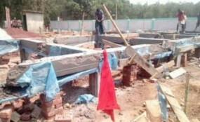 নবাবগঞ্জে বন বিভাগের বেদখল জমির স্থাপনা উচ্ছেদ
