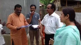 তাৎক্ষণিক সেবা: লালমনিরহাটের মোগলহাটে পাইলট প্রকল্পের তথ্য সংগ্রহ