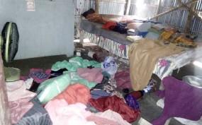 বেনাপোলে বাড়ি-ঘর ভাংচুর করে মালামাল লুট, আহত-২