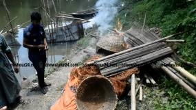 মাগুরা নবগঙ্গা নদীতে থেকে ক্ষতিকর অবৈধ বাঁধ উচ্ছেদ অভিযান
