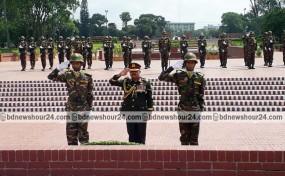 জাতীয় স্মৃতিসৌধে নবনিযুক্ত সেনাবাহিনী প্রধানের শ্রদ্ধা