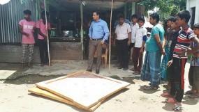 শৈলকুপায় আকস্মিক স্কুল পরিদর্শন করেন ইউএনও : ৪ টি ক্যারাম বোর্ড জব্দ