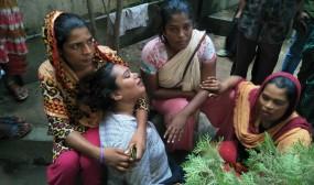 আশুলিয়ায় চলন্ত প্রাইভেটকারে গুলি; তিন হিজড়াসহ ৪জন গুলিবিদ্ধ