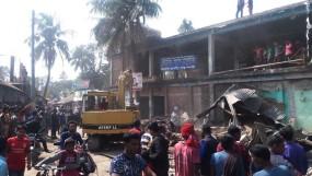 মাগুরা বিনদপুর বাজারে অবৈধ স্থাপনা উচ্ছেদ