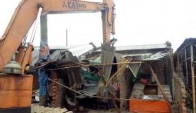 আত্রাইয়ে রেলওয়ে স্টেশনে অবৈধ স্থাপনা উচ্ছেদ