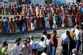 পশ্চিমবঙ্গে তৃণমূলের বিরুদ্ধে ভোটদানে বাধা দেওয়ার অভিযোগ