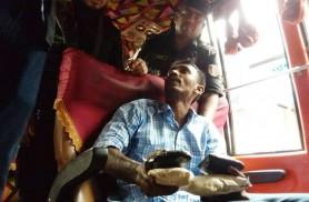 শ্যামলী'র চালকের কাছে মিলল ১০ হাজার ইয়াবা