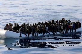 তিউনিশিয়া উপকূলে নৌকা ডুবে ৮০ অভিবাসী নিহত