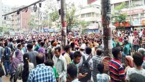 মালিবাগ-রামপুরা-বাড্ডায় রিকশাচালকদের সড়ক অবরোধ