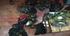 উখিয়ায় মাটির ভেতর মিলল অস্ত্র ও সামরিক পোশাক