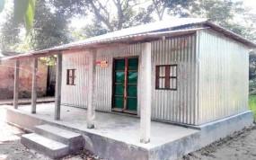ঠাকুরগাঁওয়ে 'জমি আছে ঘর নেই' প্রকল্পে বিত্তবানরা!