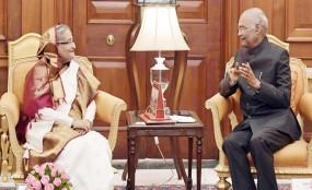 ভারতের রাষ্ট্রপতিকে বাংলাদেশ সফরের আহ্বান প্রধানমন্ত্রীর