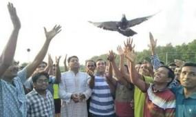নবাবগঞ্জে বঙ্গবন্ধু স্মৃতি ফুটবল টুর্নামেন্টের শুভ উদ্বোধন
