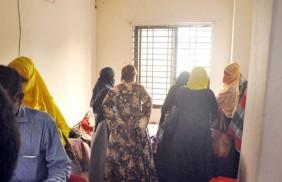 হোটেল থেকে আপত্তিকর অবস্থায় ১১ নারী-পুরুষ ধরা