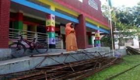 পলাশে দরপত্র ছাড়া সরকারি স্কুলের 'মালামাল' বিক্রির চেষ্টা