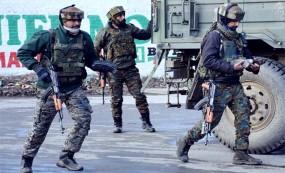 কাশ্মীরে ভারতীয় সেনাবাহিনীর ওপর হামলা