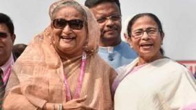 'আপনি নয়, তুমি বলুন', শেখ হাসিনাকে মমতা