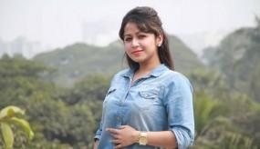 'কাশ্মীরি প্রেমিকা' ফারিয়া শাহরিন
